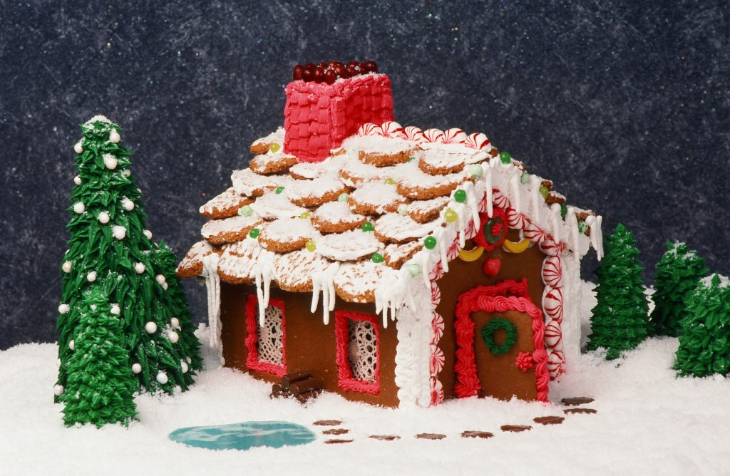 Gingerbread Houses for Family Fun