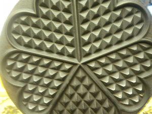 5 of Hearts Waffle Iron